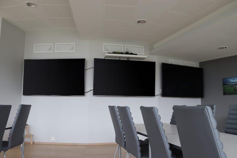 Moderne kontrollrom i jærske omgivelser